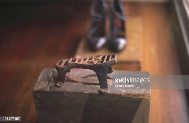 australia, sydney, shoe shop - sydney ストックフォトと画像