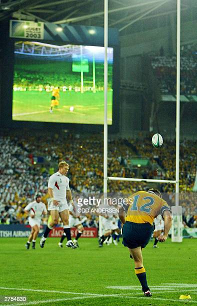 Wallaby centre Elton Flatley kicks the ball during the Rugby World Cup final between Australia and England at the Olympic Park Stadium in Sydney 22...