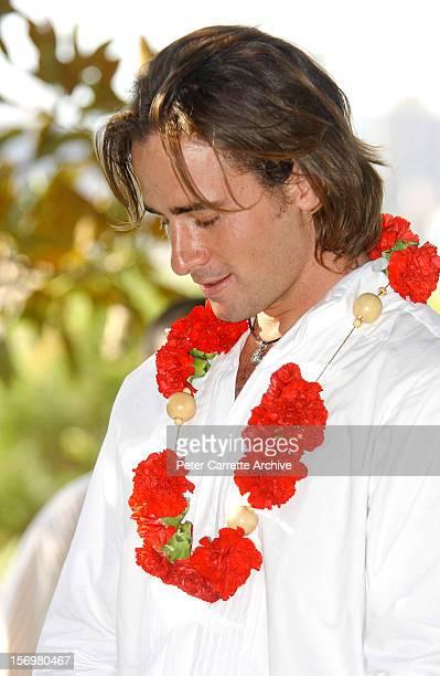 Australian actor Kip Gamblin during the wedding ceremony to dancer Linda Ridgeway at the Botanic Gardens on March 20 2004 in Sydney Australia