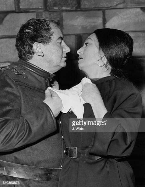 Australian actor Leo McKern as Iago and English actress Catherine Lacey as his wife Emilia in Shakespeare's 'Othello' at the Old Vic in London, UK,...