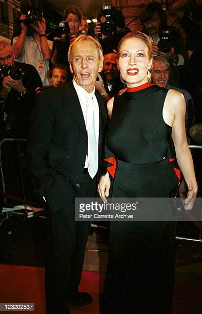 Australian actor Paul Hogan and wife Linda Kozlowski attend the world premiere of the film 'Crocodile Dundee in Los Angeles' at the State Theatre on...