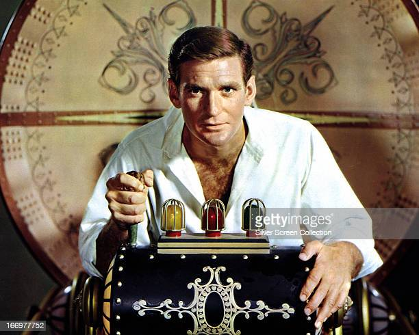 Australian actor Rod Taylor as H George Wells in a publicity still for 'The Time Machine', directed by George Pal, 1960.