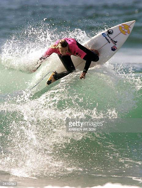 Australian Amanda Clegg dominates her opening round heat to advance to round two of the Quiksilver ISA World Junior Championships at Durban's North...