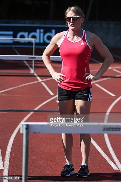 "Australian Athlete Sally Pearson practices during the Adidas Kids Clinic of the IAAF Diamond League Memorial Van Damme meeting at the stadium ""De..."