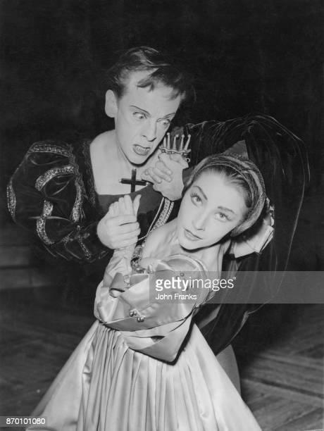 Australian ballet dancer Robert Helpmann as Hamlet and Anya Linden as Ophelia during rehearsals for a revival of Helpmann's ballet 'Hamlet' at the...