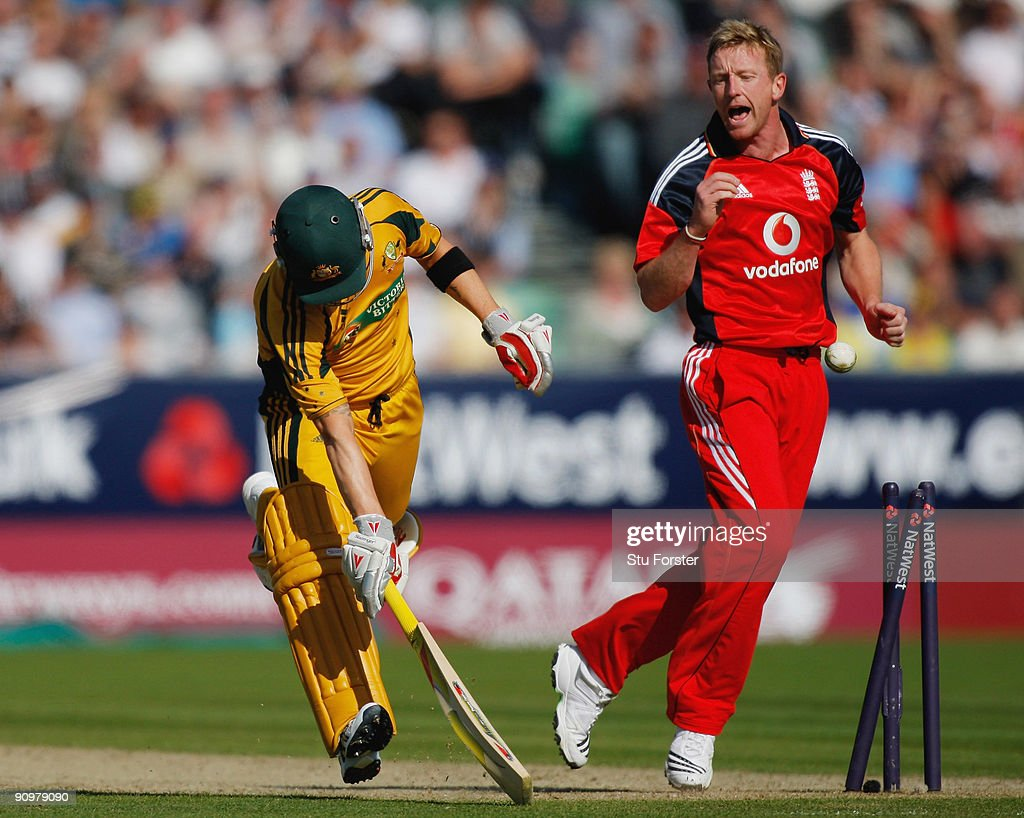 EMBER 20: Australian batsman Michael Clarke is run out by Paul Collingwood during the 7th NatWest ODI between England and Australia at The Riverside on September 20, 2009 in Chester-le-Street, England.
