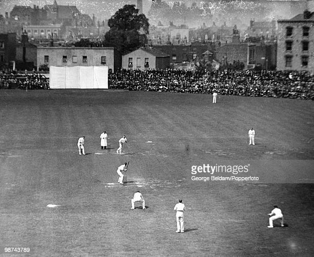 Australian batsman Victor Trumper faces the bowling of England's WH Lockwood during the 5th Test match between England and Australia at the Oval...