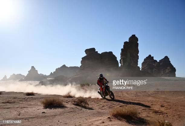 Australian biker Toby Price powers his KTM during the Stage 3 of the Dakar 2020 around Neom Saudi Arabia on January 7 2020