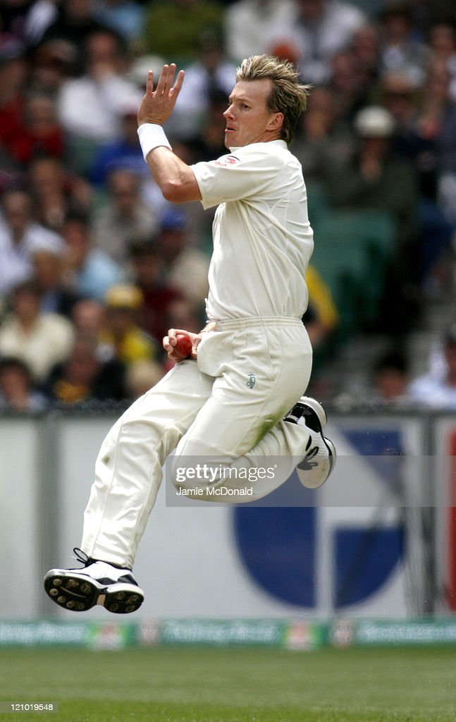 The 3 Mobile Ashes Series - Fourth Test - Day Three - Australia vs England -