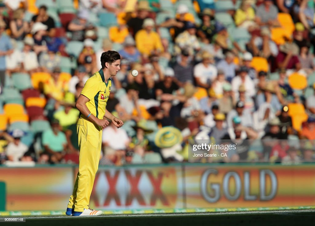 Australia v England - Game 2 : News Photo