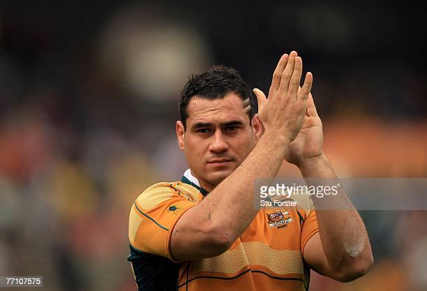 Australian captain George Smith applauds the fans at the end of the IRB Rugby World Cup Pool B match between Australia and Canada at the Stade...