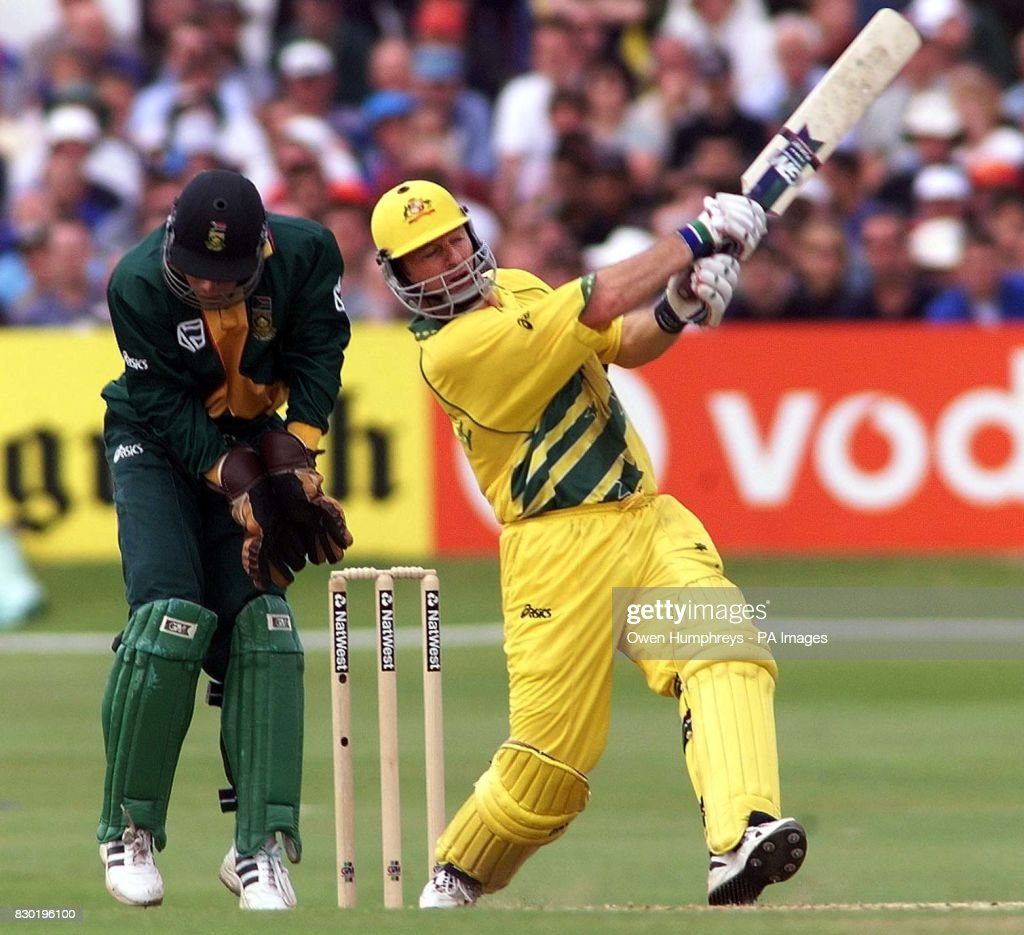 Cricket/SA v Aus/Waugh batting : News Photo
