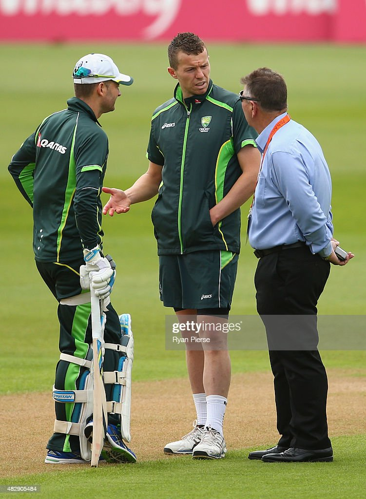 Australian Chairman of Selectors Rod Marsh speaks to Michael Clarke and Peter Siddle of Australia during a nets session ahead of the 4th Investec Ashes Test match between England and Australia at Trent Bridge on August 4, 2015 in Nottingham, United Kingdom.