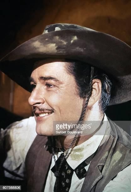 Australian ctor Errol Flynn on the set of San Antonio directed by David Butler