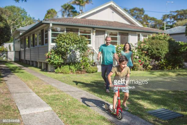 australian family at home going for a walk - australia foto e immagini stock
