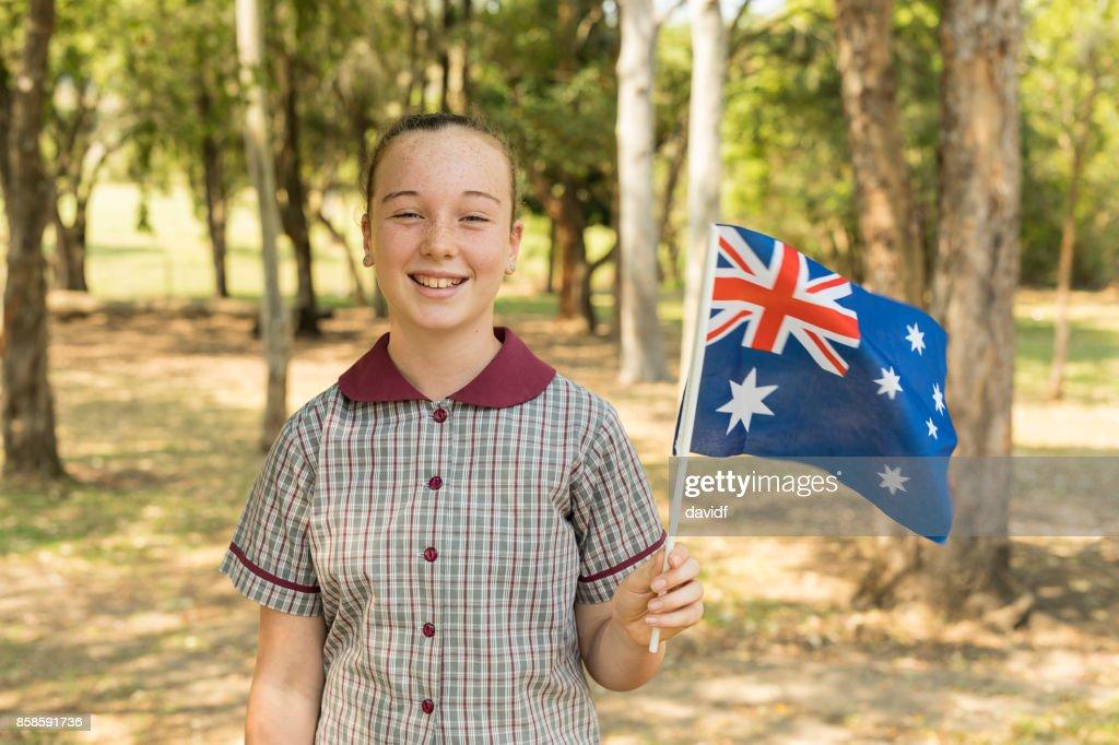 Australische Flagge winken von Grundschule Studentin für Australia Day : Stock-Foto