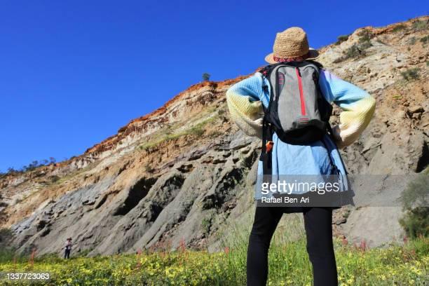 australian girl exploring irwin river near mingenew western australia - rafael ben ari stock pictures, royalty-free photos & images