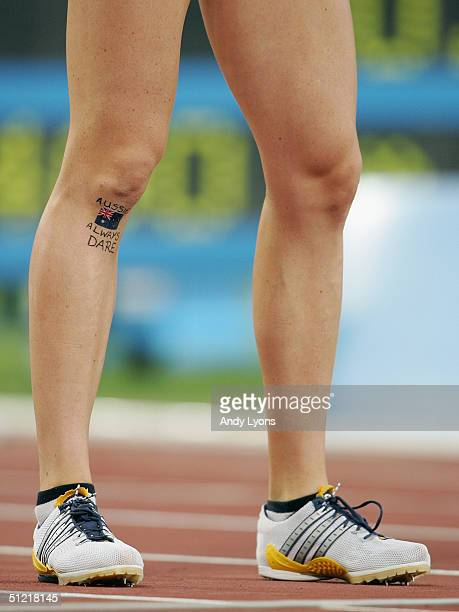 Australian Jana Pittman's leg is seen after the women's 400 metre hurdle final on August 25 2004 during the Athens 2004 Summer Olympic Games at the...