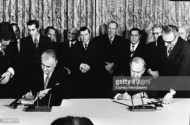 Australian Labor Party Prime Minister Gough Whitlam and Soviet Premier Aleksei N Kosygin sign an agreement on scientific technical and cultural...