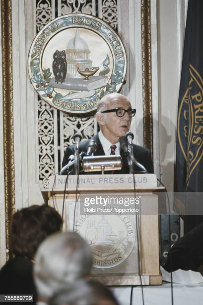 Australian Liberal Party politician and Prime Minister of Australia William McMahon addresses members of the National Press Club in Washington DC...