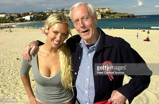 Australian model Annalise Braakensiek with her father at Bondi on August 04 2000 in Sydney Australia