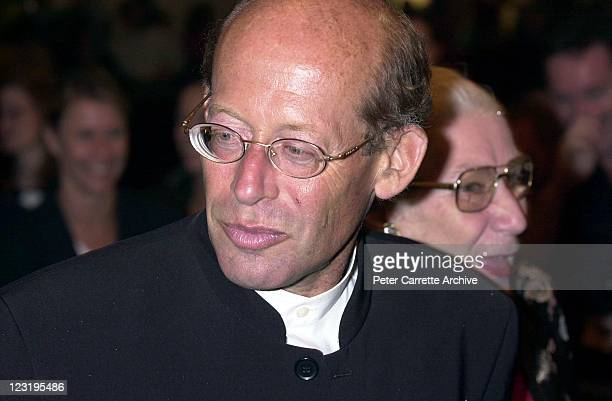 Australian pianist David Helfgott attends the world premiere of the film 'Crocodile Dundee in Los Angeles' at the State Theatre on April 02 2001 in...