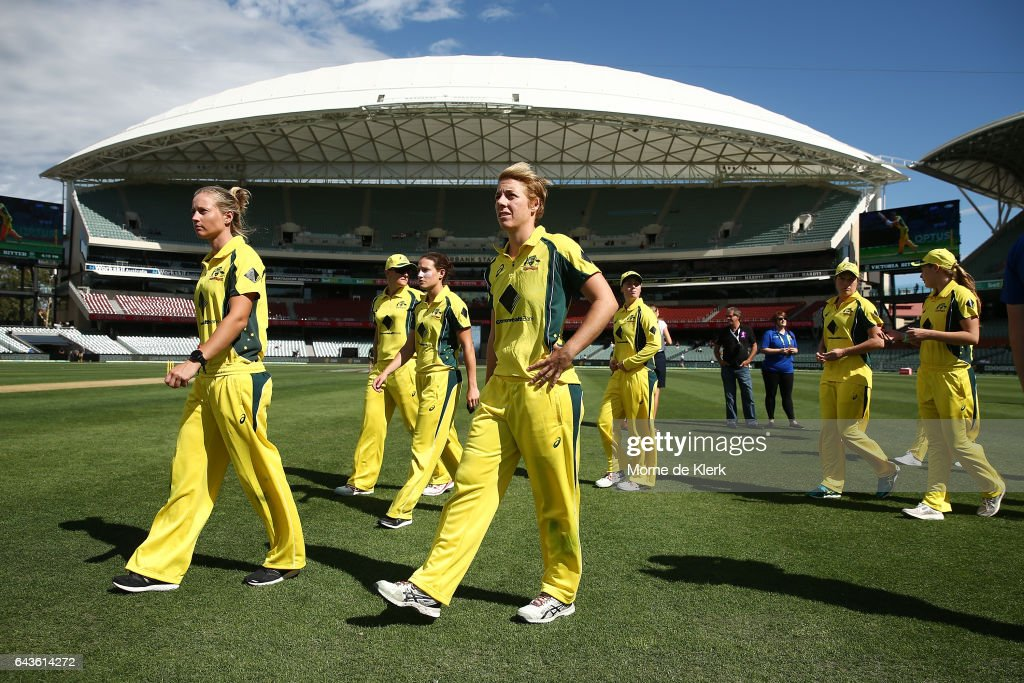Australian players look on after the Women's Twenty20 International match between the Australia Southern Stars and the New Zealand White Ferns at Adelaide Oval on February 22, 2017 in Adelaide, Australia.