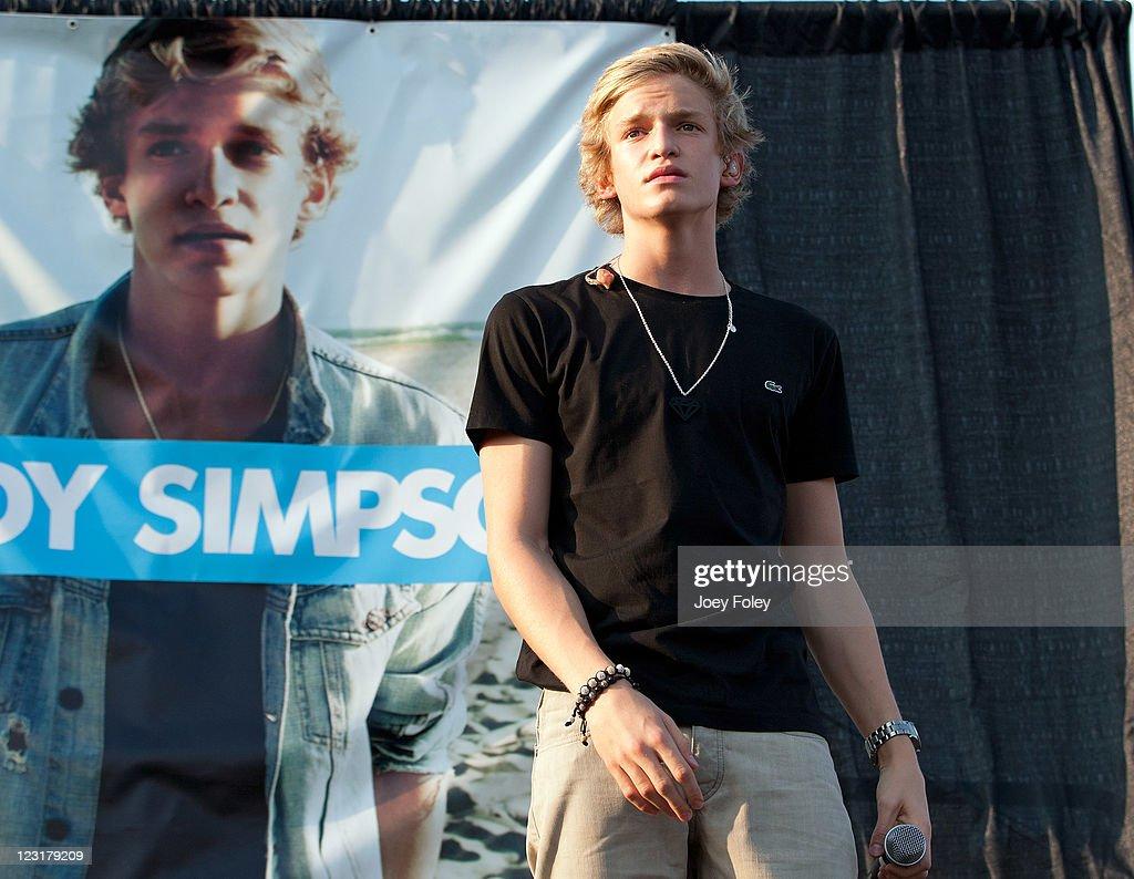 Cody Simpsons Coast To Coast Mall Tour Indianapolis Photos And