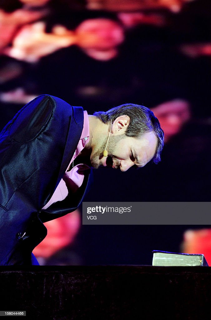 Australian preacher and motivational speaker Nick Vujicic speaks to an audience during his public lecture at Zhengzhou International Convention and Exhibition Center on December 9, 2012 in Zhengzhou, China.
