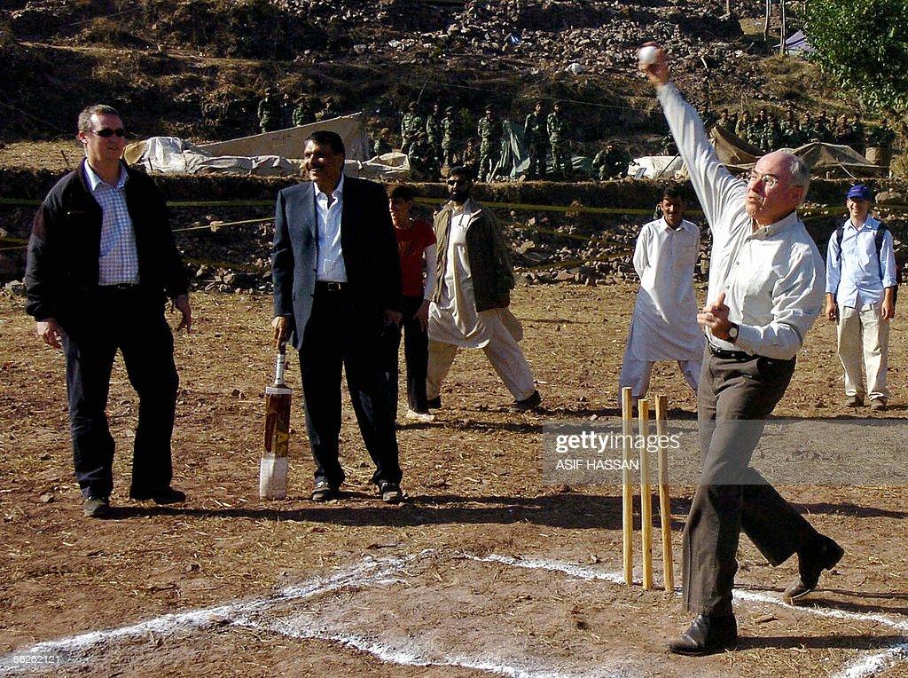 Australian Prime Minister John Howard (R : News Photo