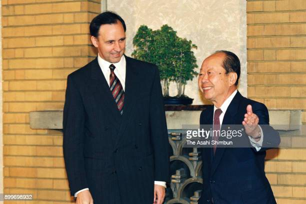 Australian Prime Minister Paul Keating is escorted by Japanese Prime Minister Kiichi Miyazawa prior to their meeting at the prime minister's official...