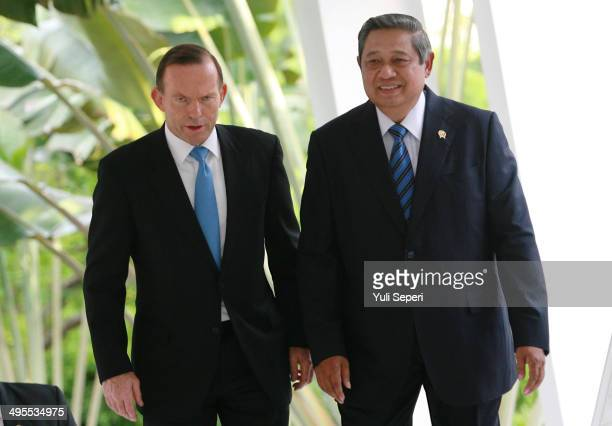 Australian Prime Minister Tony Abbott attends a meeting with Indonesia President Susilo Bambang Yudhoyono on June 4 2014 in Batam Indonesia The...