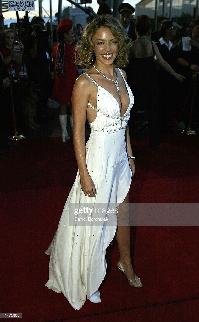 Kylie Minogue arrives : News Photo