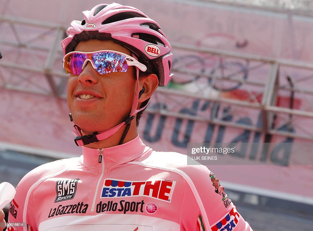Australian Richie Porte (Saxo Bank) prepares for the start of the 12th stage of the 93rd Giro d'talia, from Citta Sant'Angelo to Porto Recanati, on May 20, 2010. Italy's Filippo Pozzato won Thursday's 12th stage of the Tour of Italy with Australian Riche Porte holding on to the leader's pink jersey. AFP PHOTO / Luk Beines