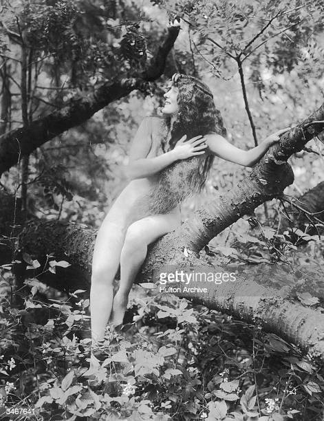 Australian silent film actress and swimming star Annette Kellerman as she appeared in 'A Daughter of the Gods' directed by Herbert Brenon 1916