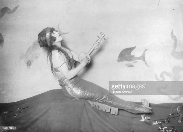 Australian silent film actress and swimming star Annette Kellerman circa 1911 Kellerman played mermaids in several films and was nicknamed 'The...