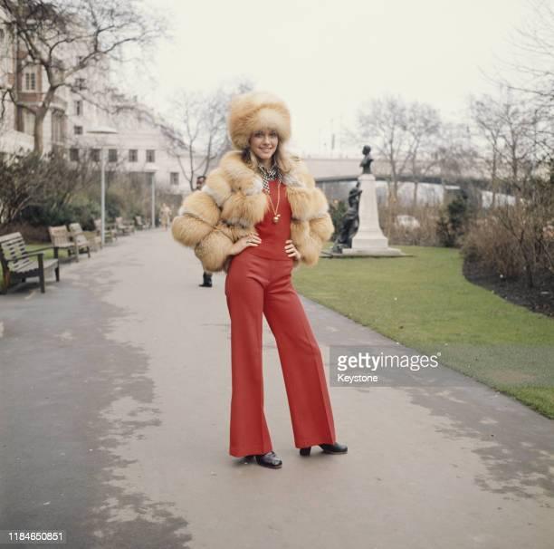 Australian singer and actress Olivia Newton-John in Embankment Gardens, London, circa 1970.