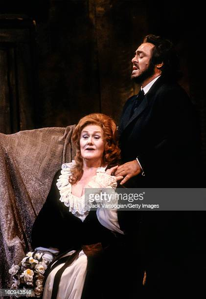 Australian soprano Dame Joan Sutherland and Italian tenor Luciano Pavarotti in the Metropolitan Opera/Colin Graham production of Giuseppe Verdi's 'La...