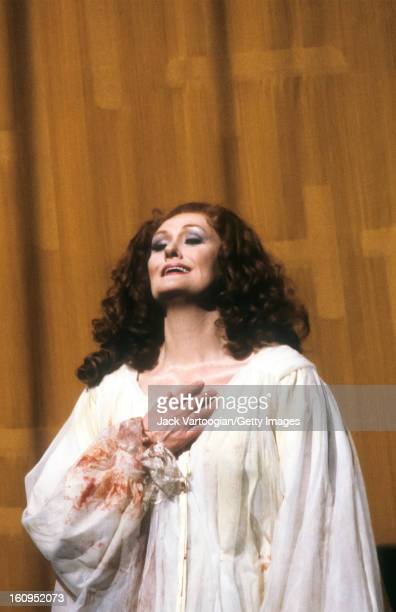Australian soprano Dame Joan Sutherland on stage in the final dress rehearsal of the Metropolitan Opera/Bruce Donnell production of Gaetano...