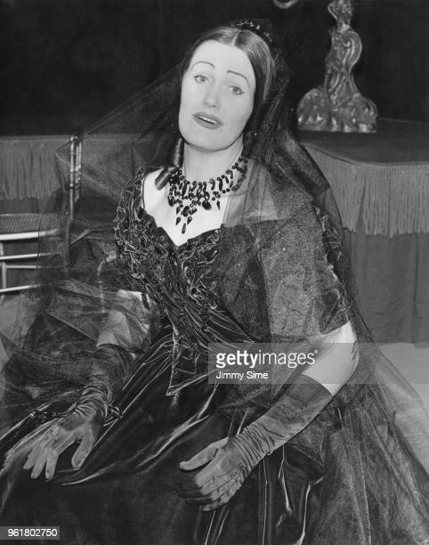 Australian soprano Joan Sutherland as Violetta in Verdi's opera 'La Traviata' 5th January 1960 Sutherland will be making her first appearance of the...