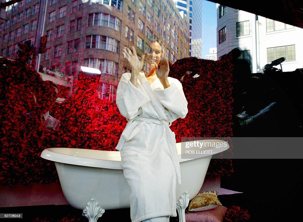 Australian super model, Megan Gale sitti Pictures | Getty Images
