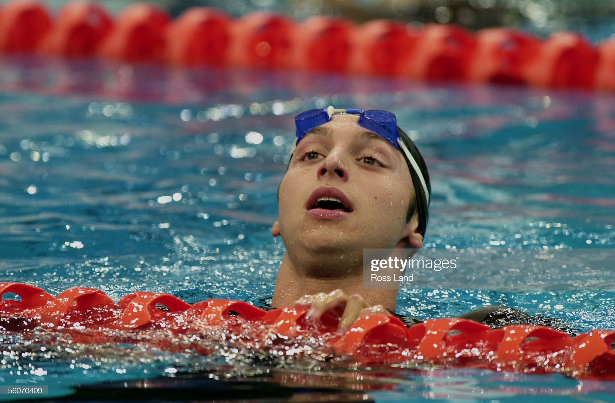 Australian teenager Ian Thorpe heads to the side o : Fotografía de noticias