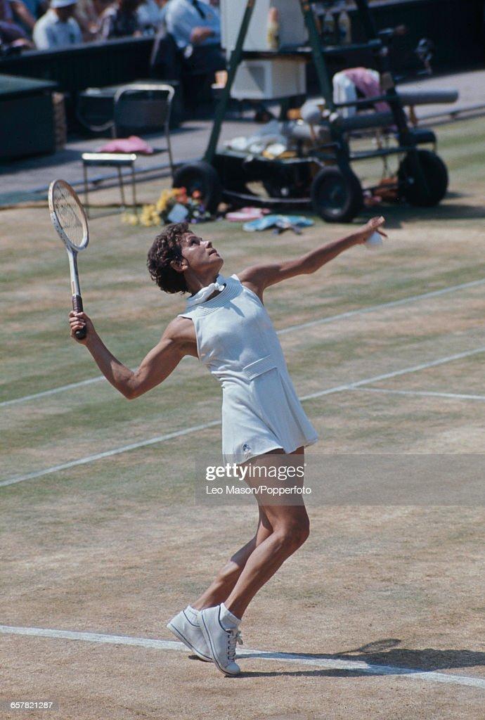 Evonne Goolagong At 1976 Wimbledon Championships : News Photo