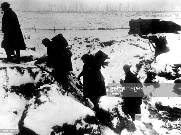 Australian troups making a way in the snow January 1917 World War I France Vincennes War museum