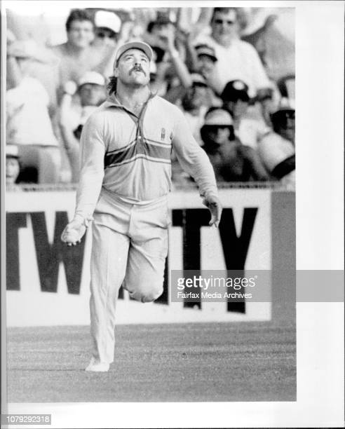 Australian Vs New ZealandB and H One day cricket series at the SCGBoon takes catch of Coney Gilbers January 14 1986