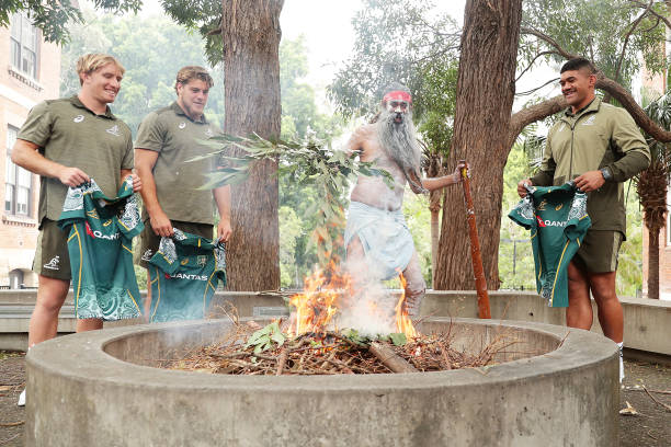 AUS: Australian Wallabies Take Part in Nations Smoking Ceremony