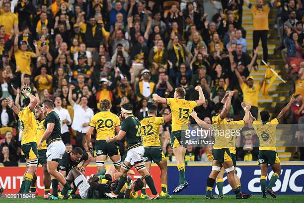 Australian Wallabies players celebrate their victory during The Rugby Championship match between the Australian Wallabies and the South Africa...