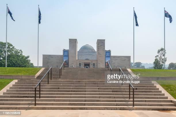 australian war memorial, canberra, nouvelle-galles du sud, austarlia - canberra photos et images de collection