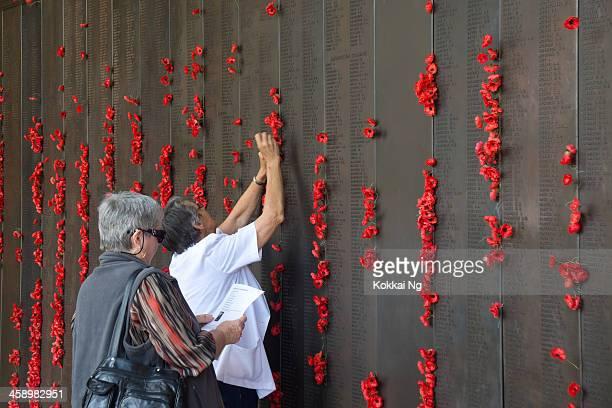 オーストラリア戦争記念公園-戦没者追悼記念日 - 戦争記念碑 ストックフォトと画像