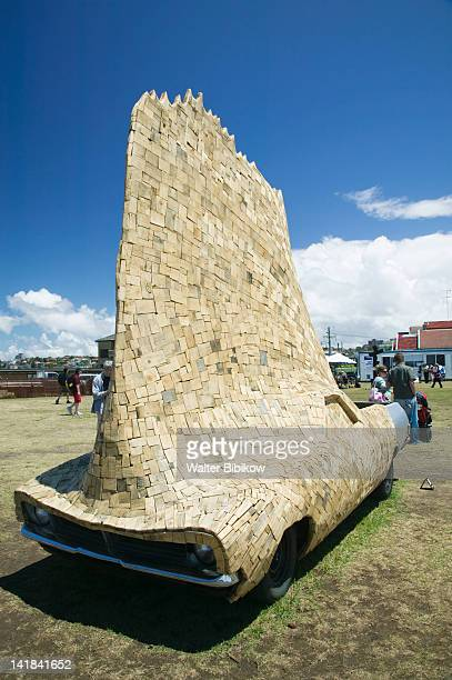 australia-new south wales (nsw)-sydney: marks park by mackenzie bay-artwork of the sculpture by the sea exhibition- 'mobile home' by dale miles - sydney ストックフォトと画像
